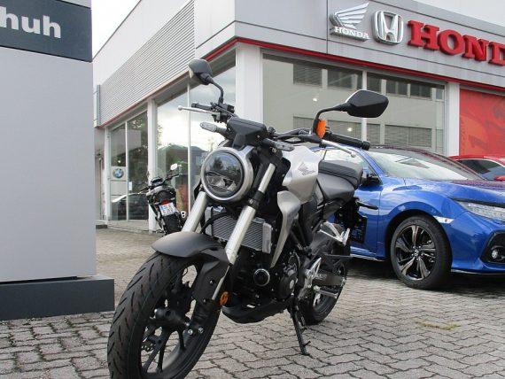 1406424815285_slide bei Honda Frauenschuh Salzburg & Köstendorf / Auto & Motorrad in