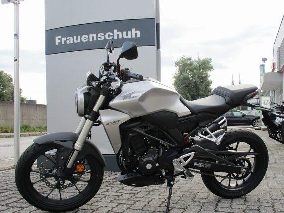 1406424815287_slide bei Honda Frauenschuh Salzburg & Köstendorf / Auto & Motorrad in