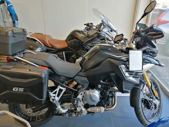 483428_1406417867845_slide bei Honda Frauenschuh Salzburg & Köstendorf / Auto & Motorrad in