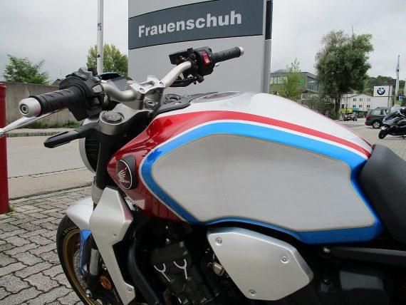 484669_1406430818947_slide bei Honda Frauenschuh Salzburg & Köstendorf / Auto & Motorrad in