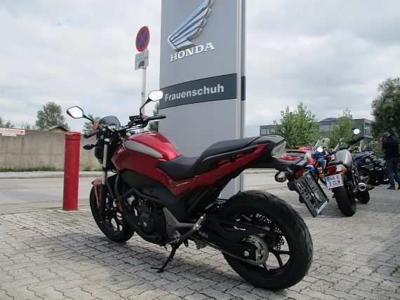 484366_1406427401563_slide bei Honda Frauenschuh Salzburg & Köstendorf / Auto & Motorrad in