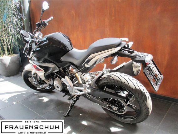 487653_1406463587915_slide bei Honda Frauenschuh Salzburg & Köstendorf / Auto & Motorrad in