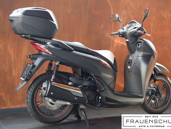 488110_1406467556273_slide bei Honda Frauenschuh Salzburg & Köstendorf / Auto & Motorrad in