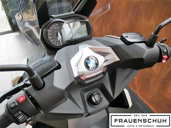 487645_1406463581997_slide bei Honda Frauenschuh Salzburg & Köstendorf / Auto & Motorrad in
