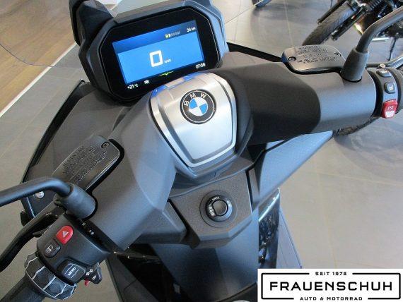 487871_1406465204979_slide bei Honda Frauenschuh Salzburg & Köstendorf / Auto & Motorrad in