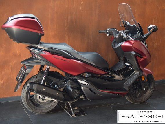 488854_1406470892229_slide bei Honda Frauenschuh Salzburg & Köstendorf / Auto & Motorrad in