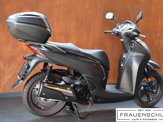 488882_1406470897989_slide bei Honda Frauenschuh Salzburg & Köstendorf / Auto & Motorrad in