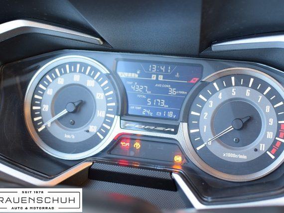 489005_1406472302281_slide bei Honda Frauenschuh Salzburg & Köstendorf / Auto & Motorrad in