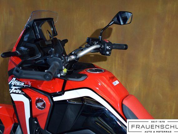 489432_1406476265075_slide bei Honda Frauenschuh Salzburg & Köstendorf / Auto & Motorrad in