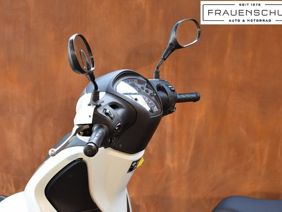 489548_1406476774385_slide bei Honda Frauenschuh Salzburg & Köstendorf / Auto & Motorrad in