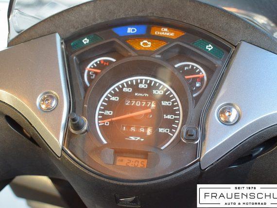 489586_1406476774693_slide bei Honda Frauenschuh Salzburg & Köstendorf / Auto & Motorrad in