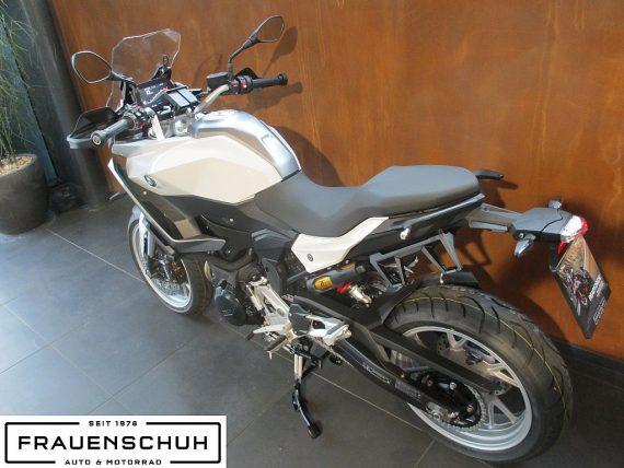 488927_1406471906937_slide bei Honda Frauenschuh Salzburg & Köstendorf / Auto & Motorrad in