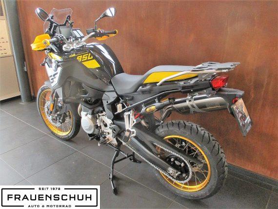 490588_1406487115281_slide bei Honda Frauenschuh Salzburg & Köstendorf / Auto & Motorrad in